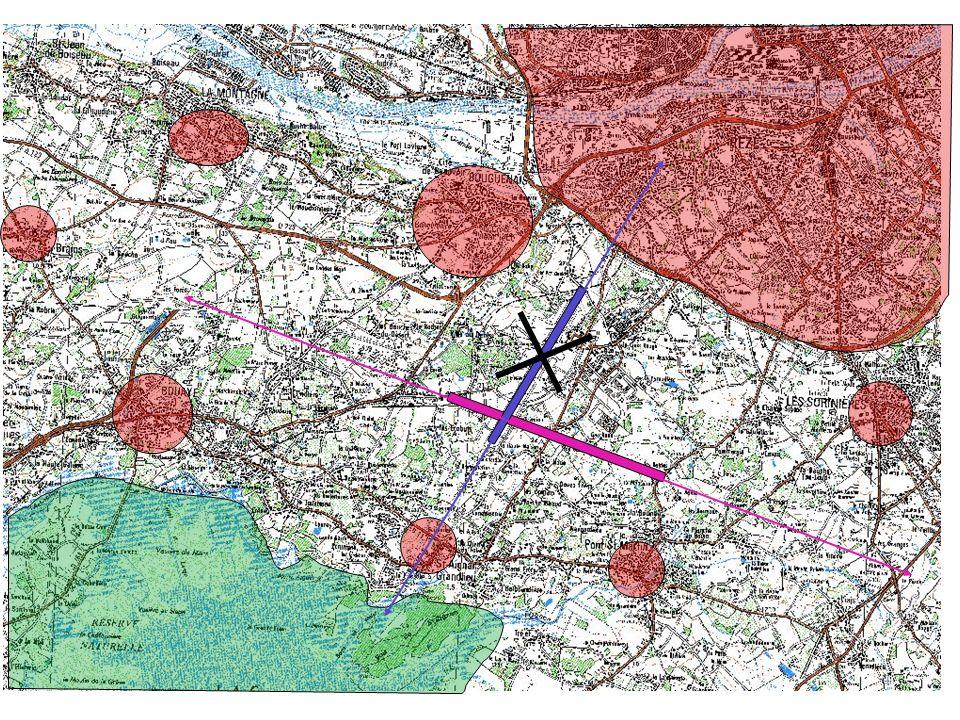 Cette carte permet de voir l'emplacement de la piste proposée (en rose) par rapport aux communes du sud Loire. Seule la commune de Brains se trouve dans l'axe de la piste, mais à 7 km du bout de la piste. A cette distance, avec des trajectoires rectilignes, les avions sont déjà à 800 mètres d'altitude.