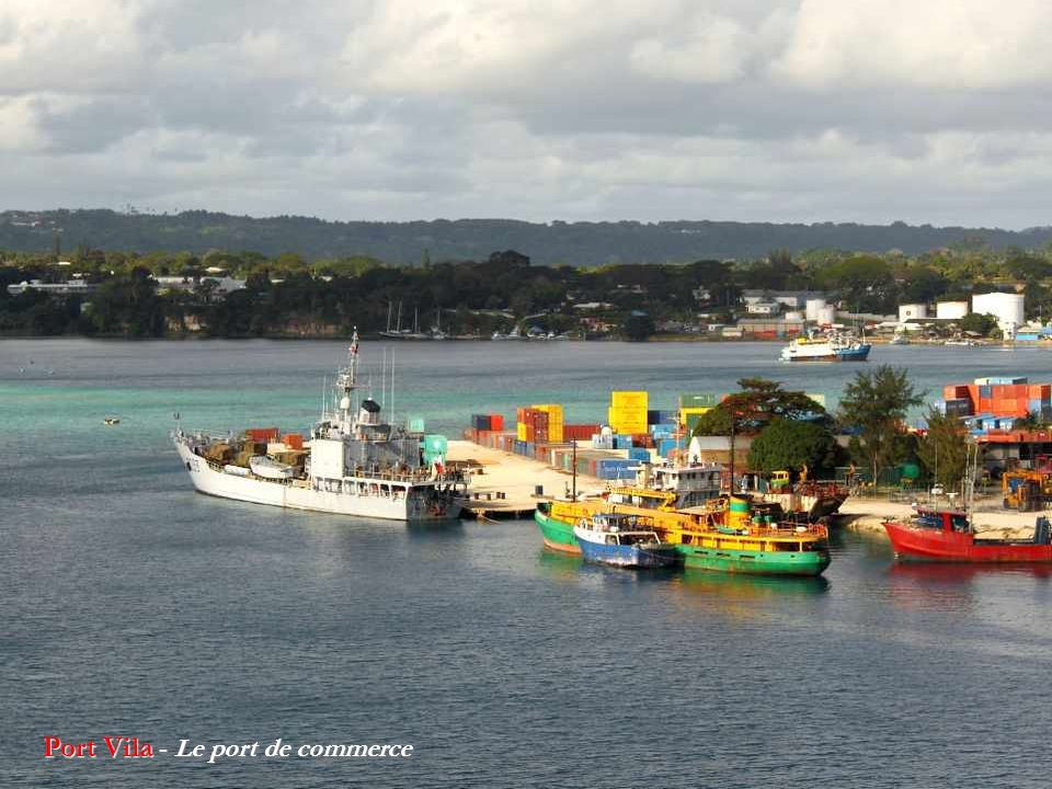 Port Vila - Le port de commerce