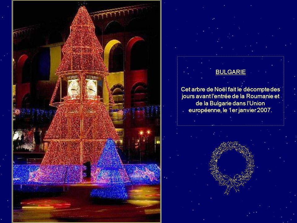 BULGARIE Cet arbre de Noël fait le décompte des jours avant l'entrée de la Roumanie et de la Bulgarie dans l'Union européenne, le 1er janvier 2007.