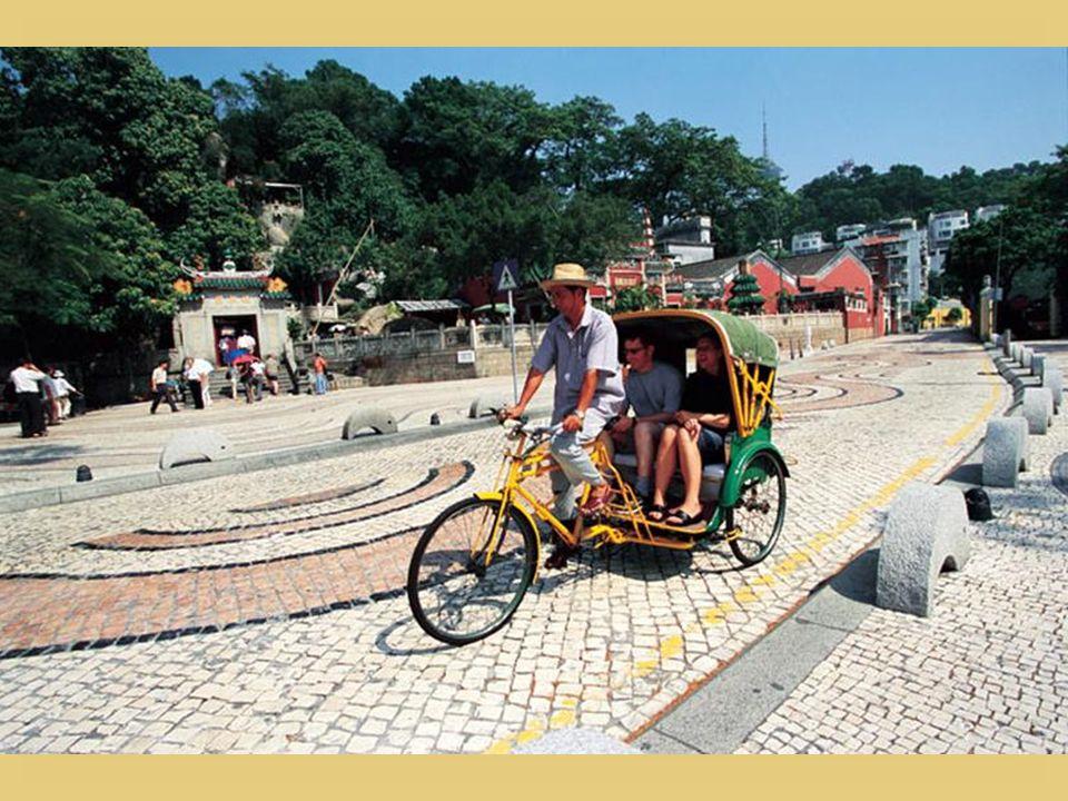 À Macao, le pédicab remplace le rickshaw