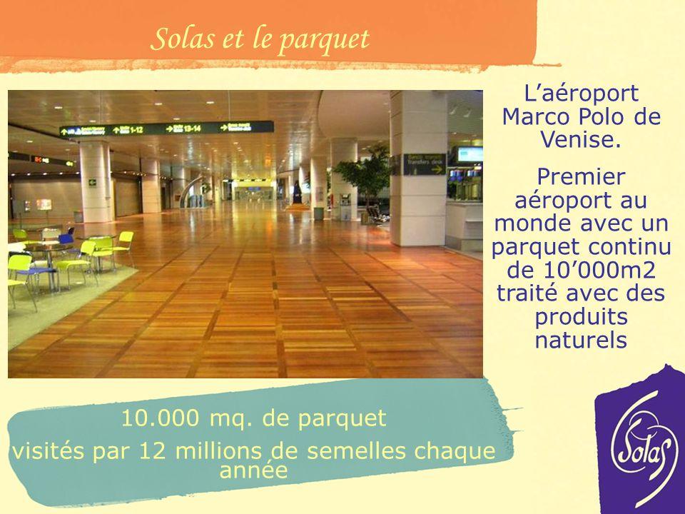 Solas et le parquet L'aéroport Marco Polo de Venise.