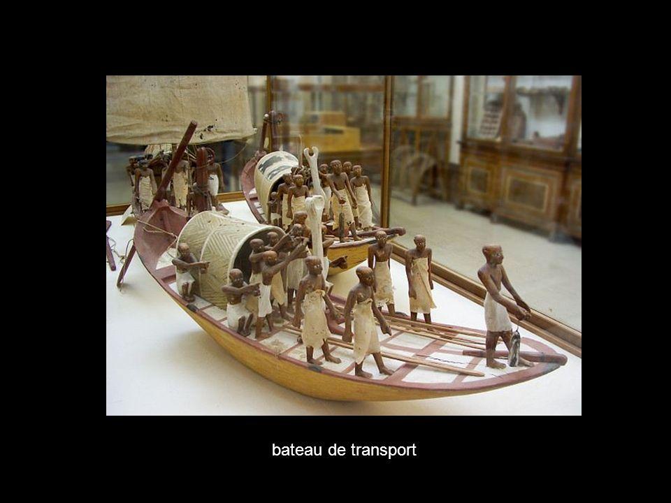 bateau de transport