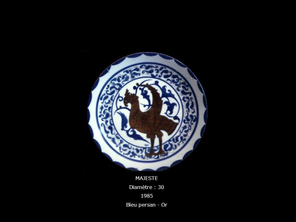 MAJESTE Diamètre : 30 1985 Bleu persan - Or