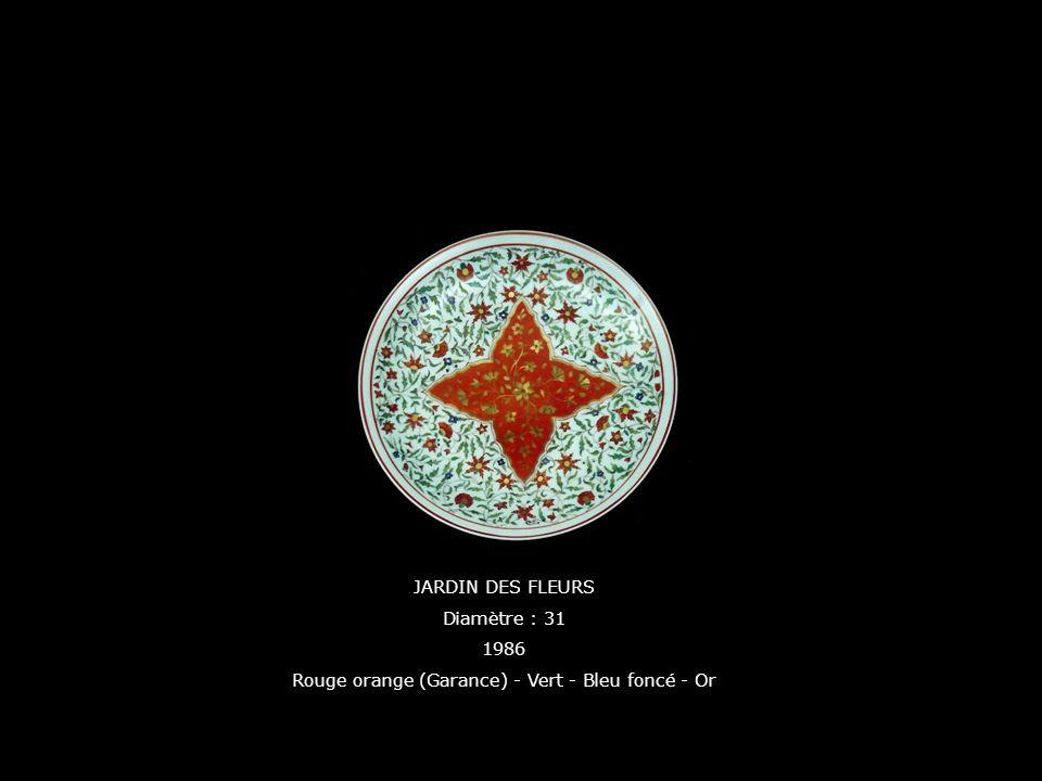 Rouge orange (Garance) - Vert - Bleu foncé - Or