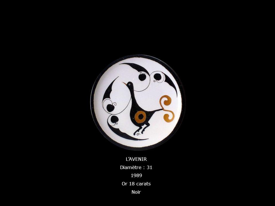 L'AVENIR Diamètre : 31 1989 Or 18 carats Noir