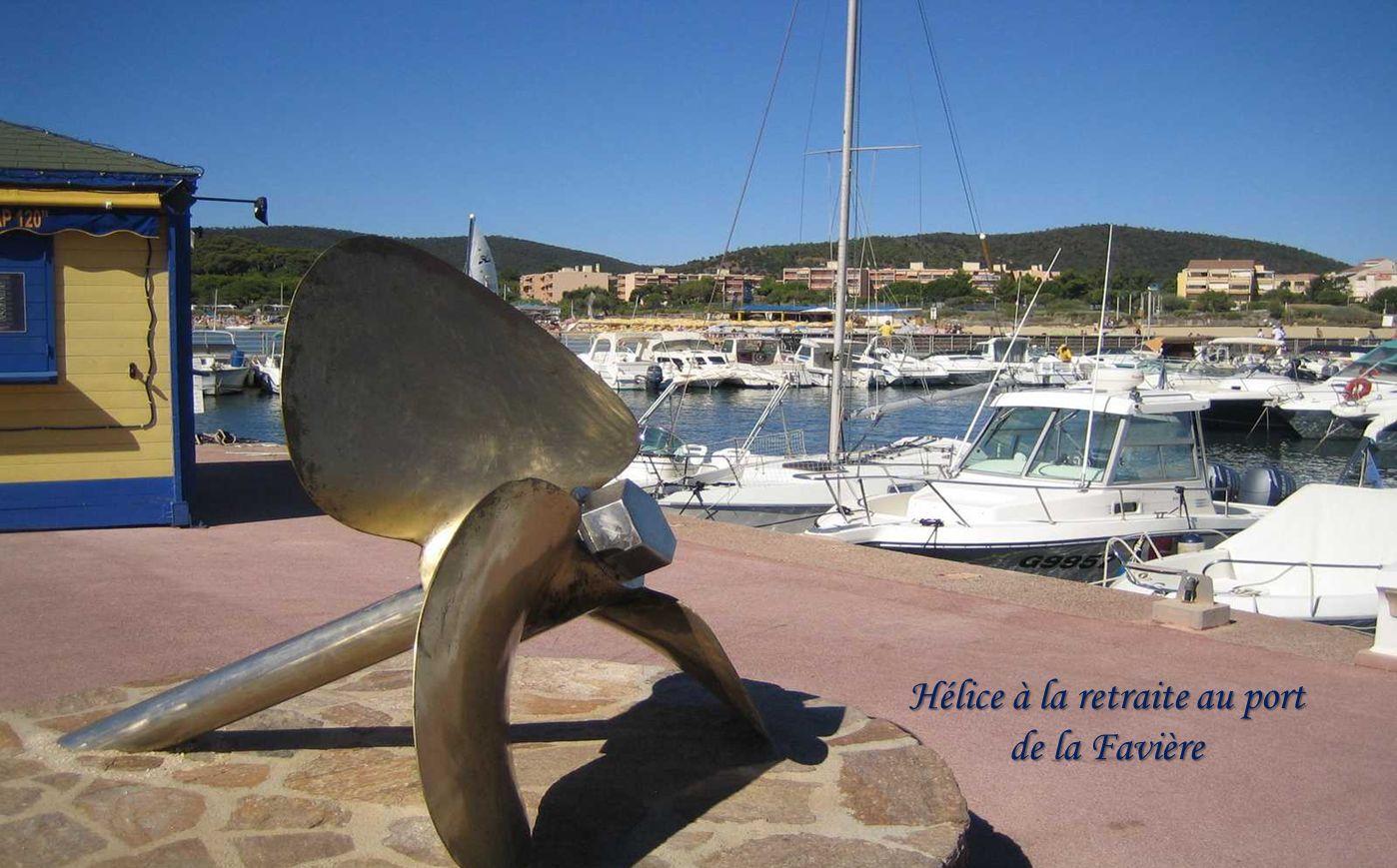 Hélice à la retraite au port de la Favière