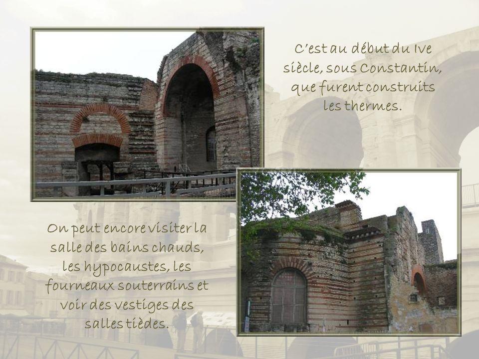 C'est au début du Ive siècle, sous Constantin, que furent construits les thermes.