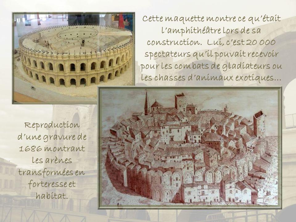 Cette maquette montre ce qu'était l'amphithéâtre lors de sa construction. Lui, c'est 20 000 spectateurs qu'il pouvait recevoir pour les combats de gladiateurs ou les chasses d'animaux exotiques…