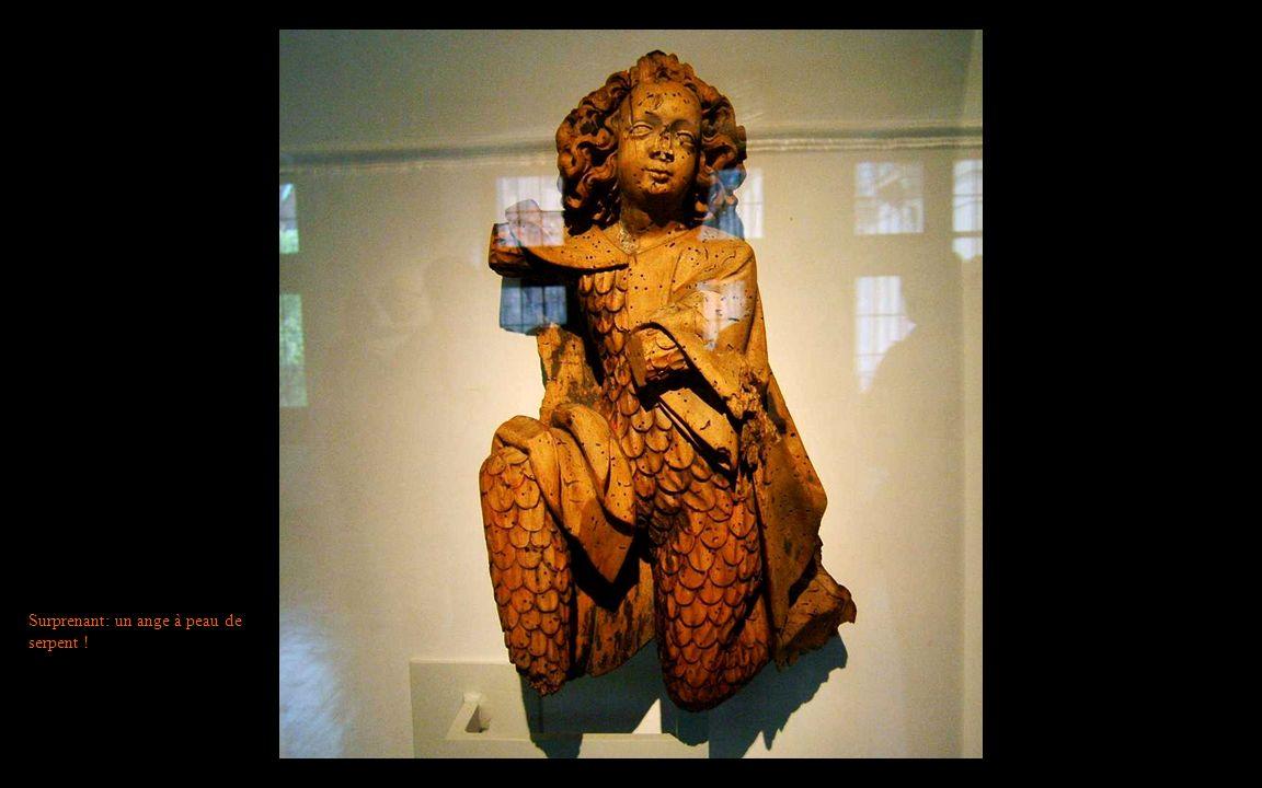 Surprenant: un ange à peau de serpent !
