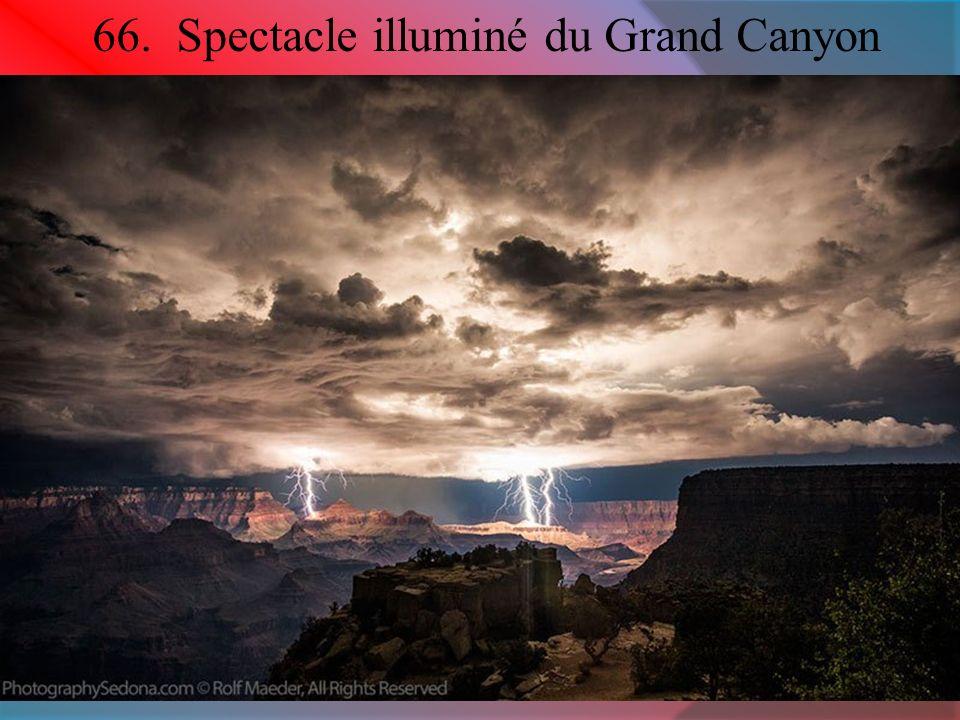66. Spectacle illuminé du Grand Canyon