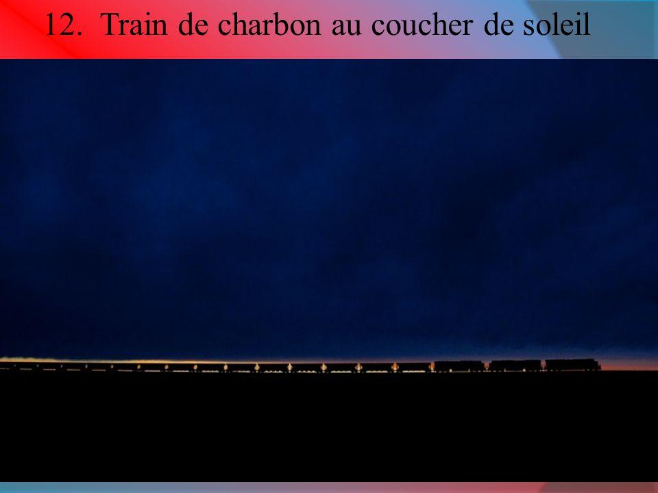 12. Train de charbon au coucher de soleil