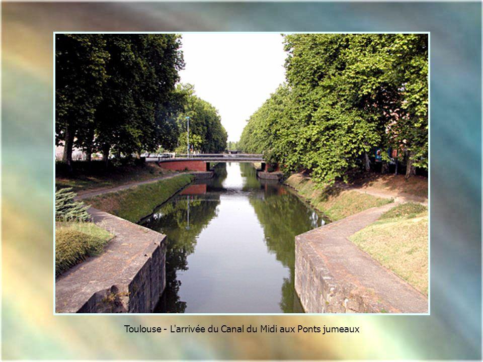 Toulouse - L arrivée du Canal du Midi aux Ponts jumeaux