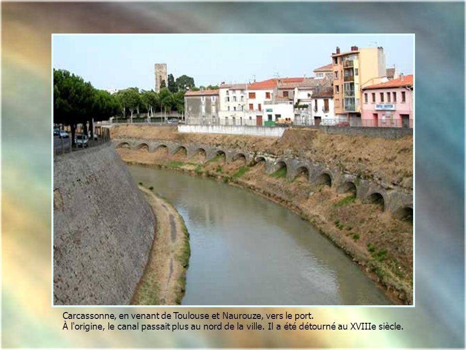 Carcassonne, en venant de Toulouse et Naurouze, vers le port.