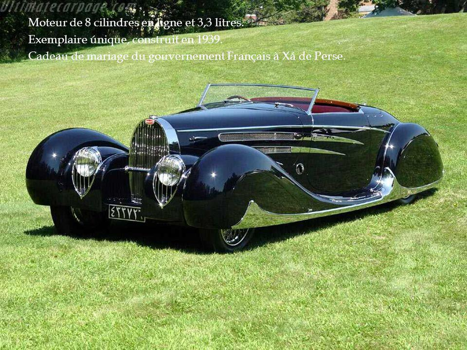 Moteur de 8 cilindres en ligne et 3,3 litres.
