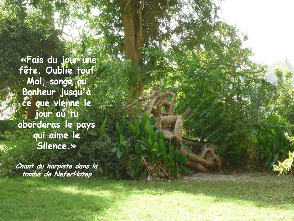 Chant du harpiste dans la tombe de NeferHotep