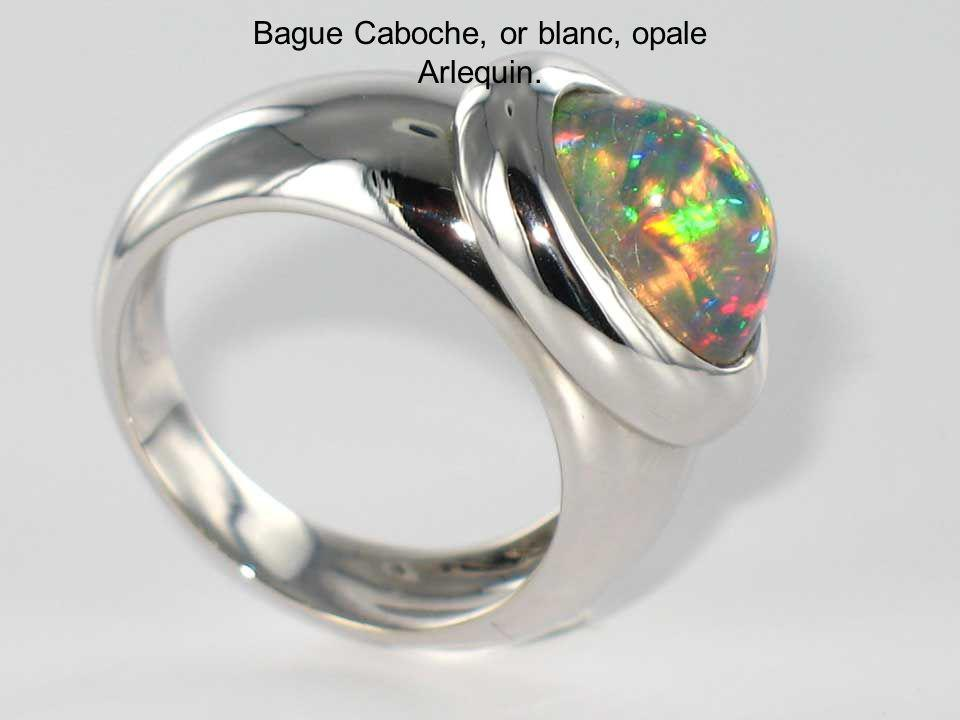 Bague Caboche, or blanc, opale Arlequin.