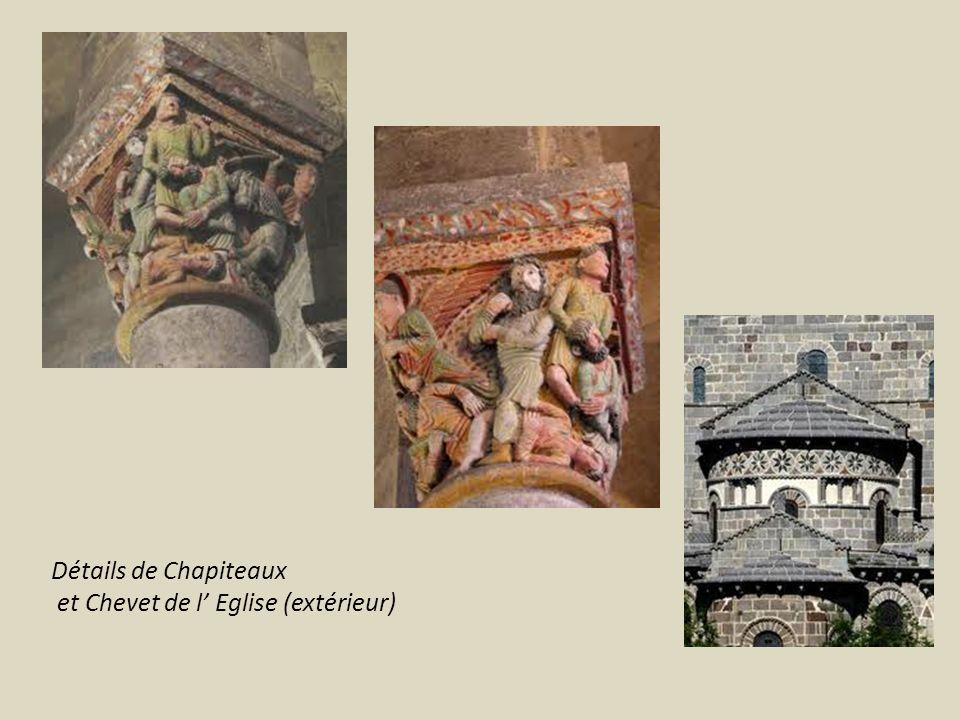 Détails de Chapiteaux et Chevet de l' Eglise (extérieur)