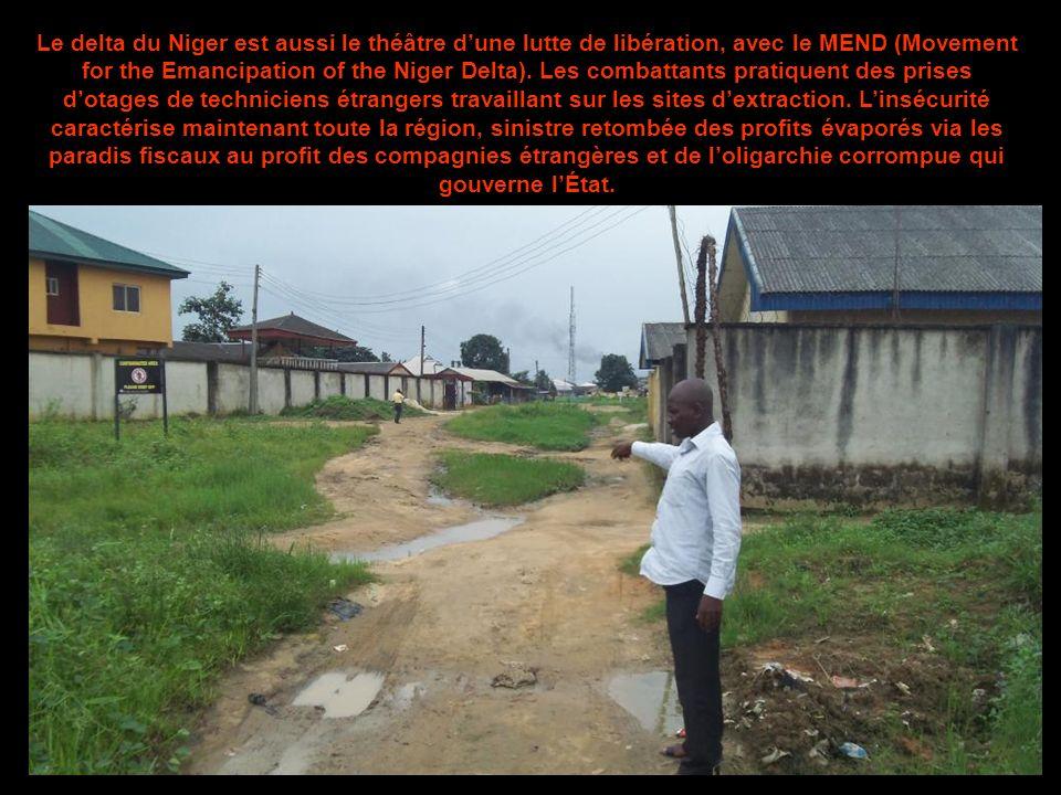 Le delta du Niger est aussi le théâtre d'une lutte de libération, avec le MEND (Movement for the Emancipation of the Niger Delta).