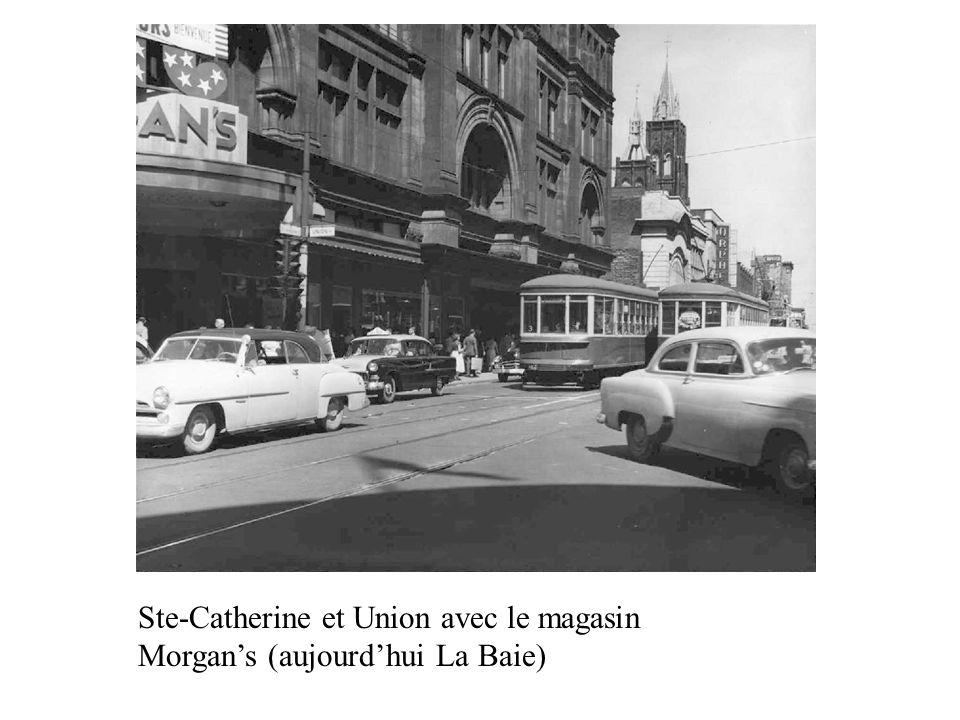 Ste-Catherine et Union avec le magasin Morgan's (aujourd'hui La Baie)
