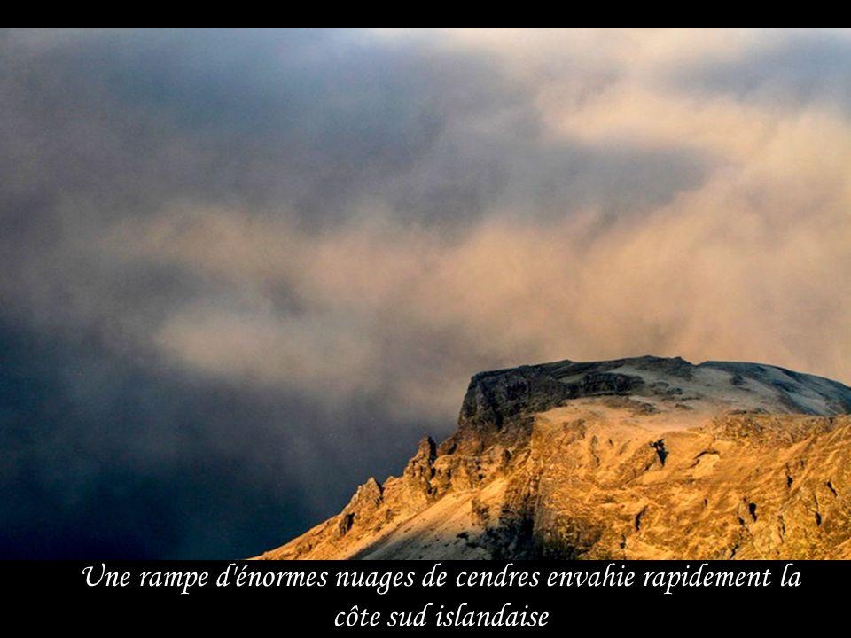 Une rampe d énormes nuages de cendres envahie rapidement la côte sud islandaise