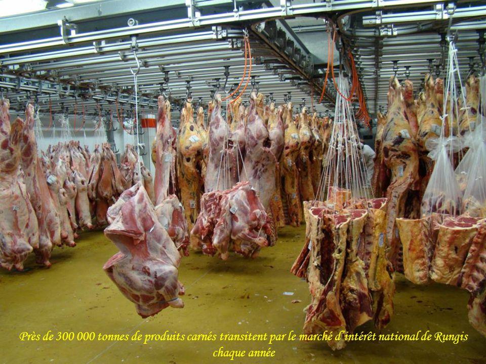 Près de 300 000 tonnes de produits carnés transitent par le marché d'intérêt national de Rungis chaque année