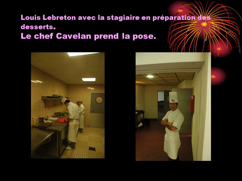 Louis Lebreton avec la stagiaire en préparation des desserts