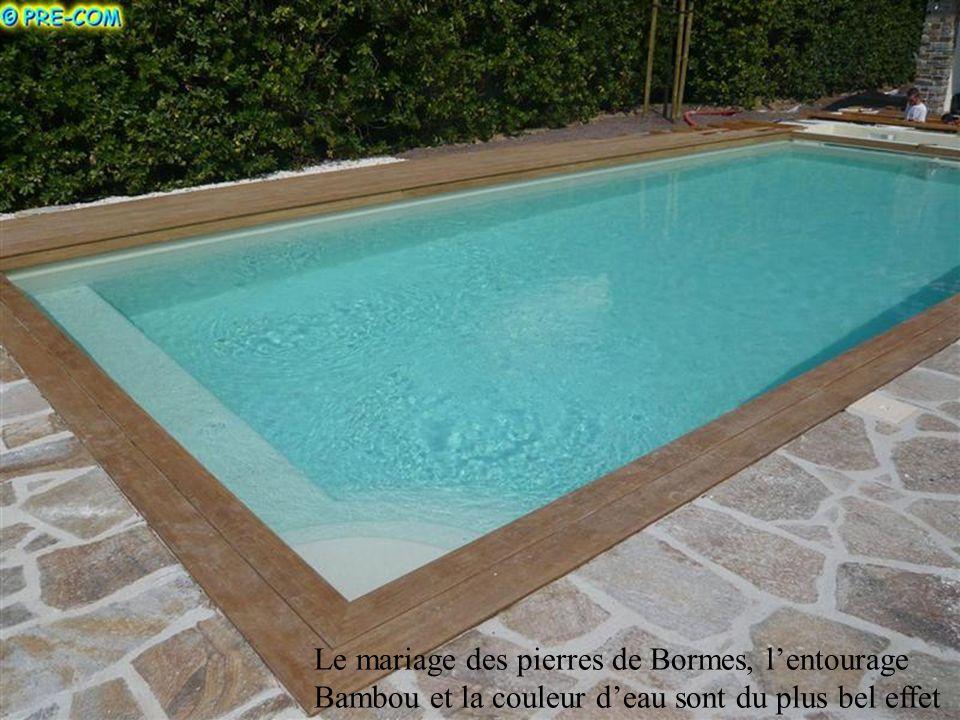 Le mariage des pierres de Bormes, l'entourage Bambou et la couleur d'eau sont du plus bel effet
