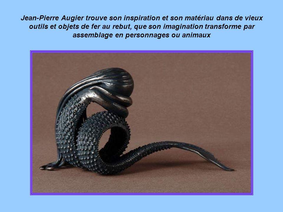 Jean-Pierre Augier trouve son inspiration et son matériau dans de vieux outils et objets de fer au rebut, que son imagination transforme par assemblage en personnages ou animaux
