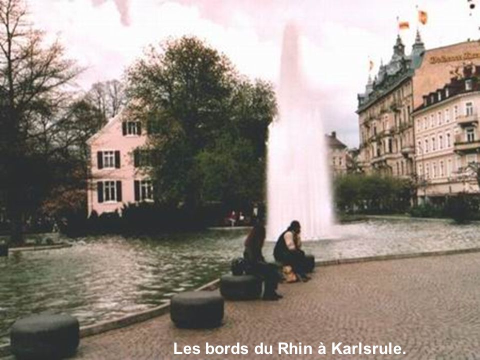 Les bords du Rhin à Karlsrule.