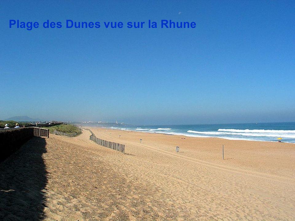 Plage des Dunes vue sur la Rhune