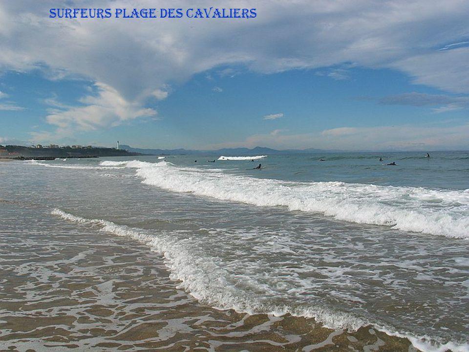 SURFEURS Plage des Cavaliers
