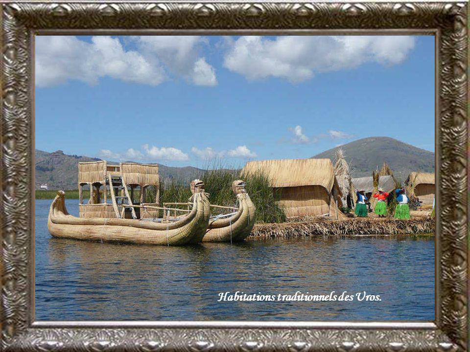 Habitations traditionnels des Uros.