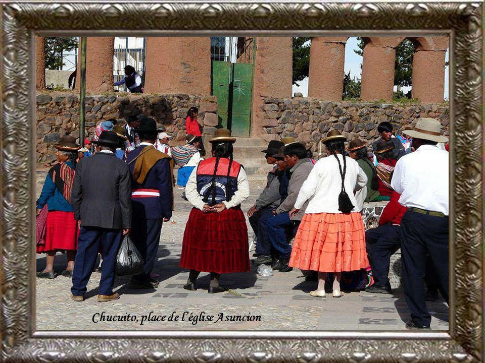Chucuito, place de l'église Asuncion