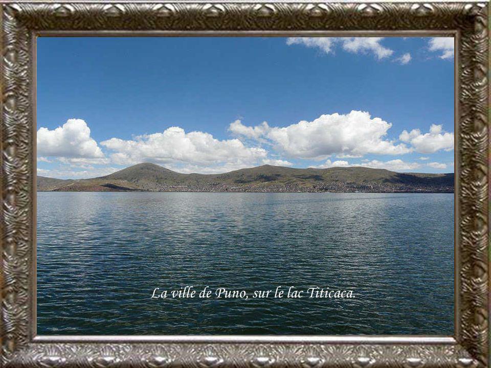 La ville de Puno, sur le lac Titicaca.