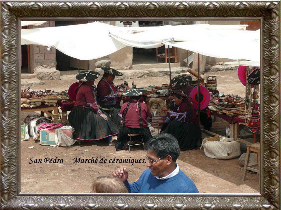 San Pedro__Marché de céramiques.