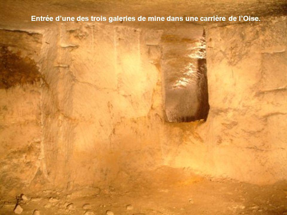 Entrée d'une des trois galeries de mine dans une carrière de l'Oise.