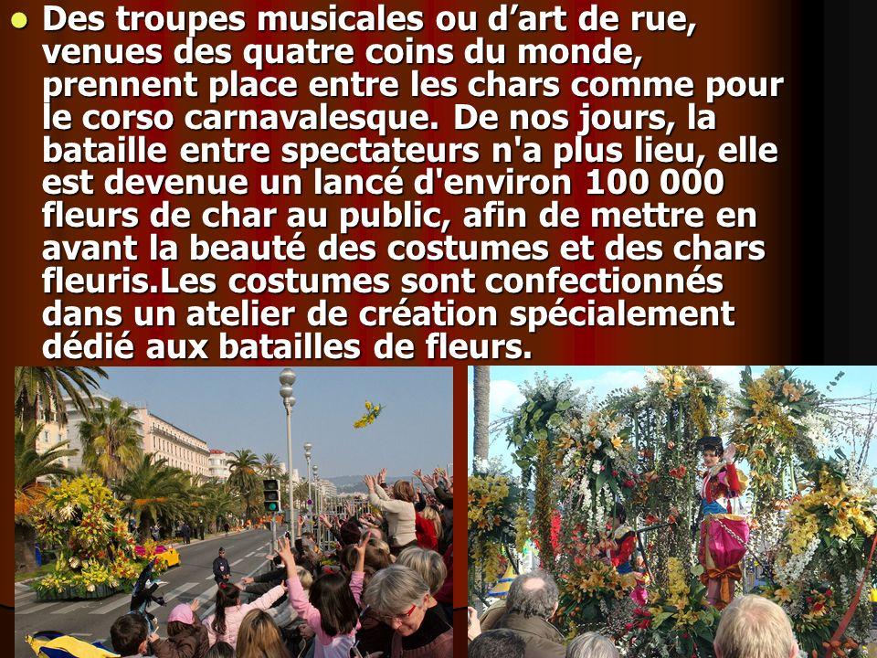 Des troupes musicales ou d'art de rue, venues des quatre coins du monde, prennent place entre les chars comme pour le corso carnavalesque.