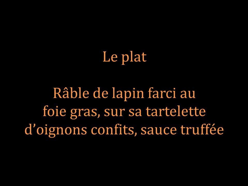 foie gras, sur sa tartelette d'oignons confits, sauce truffée