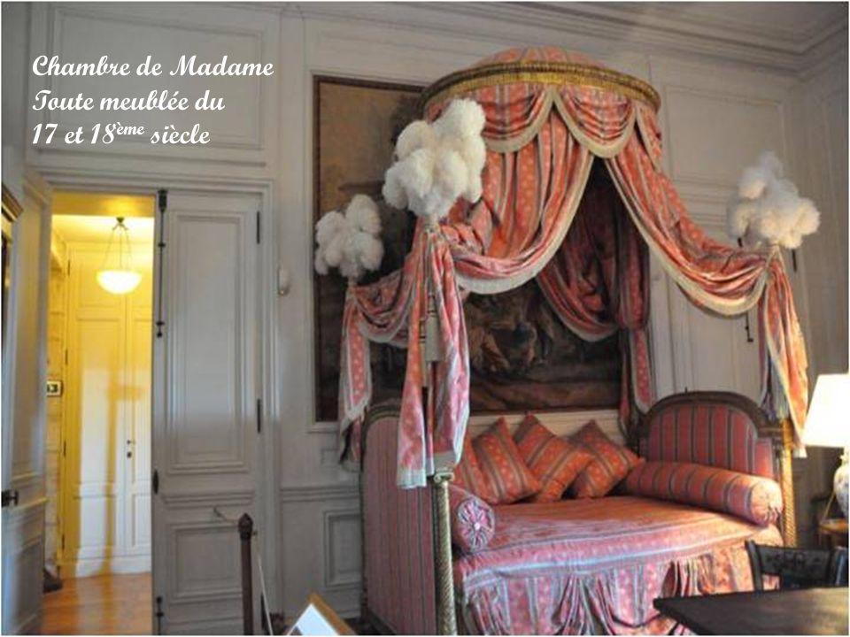 Chambre de Madame Toute meublée du 17 et 18ème siècle