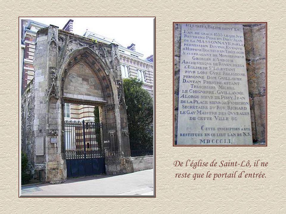 De l'église de Saint-Lô, il ne reste que le portail d'entrée.