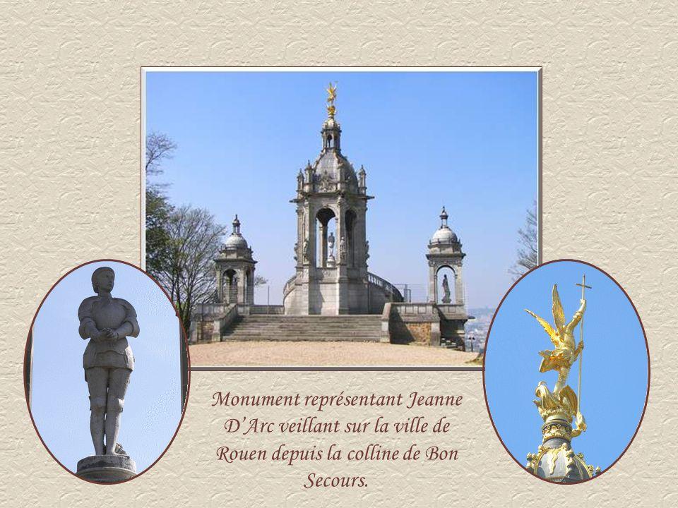 Monument représentant Jeanne D'Arc veillant sur la ville de Rouen depuis la colline de Bon Secours.