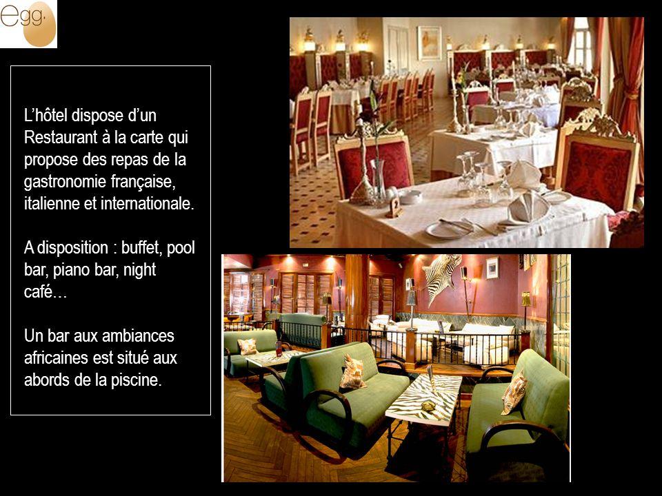L'hôtel dispose d'un Restaurant à la carte qui propose des repas de la gastronomie française, italienne et internationale.