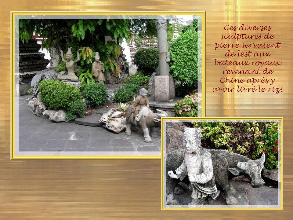 Ces diverses sculptures de pierre servaient de lest aux bateaux royaux revenant de Chine après y avoir livré le riz!