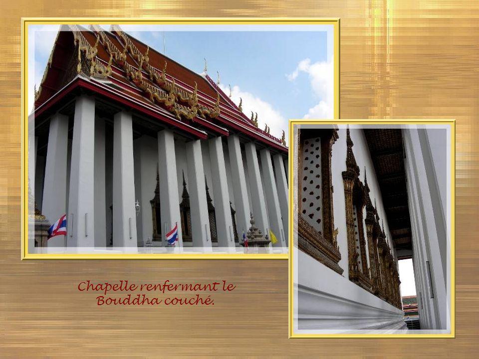 Chapelle renfermant le Bouddha couché.