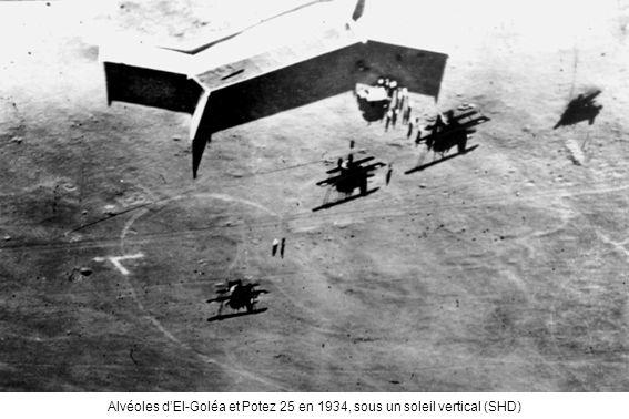 Alvéoles d'El-Goléa et Potez 25 en 1934, sous un soleil vertical (SHD)