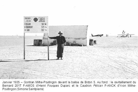 Janvier 1935 – Gontran Milhe-Poutingon devant la balise de Bidon 5