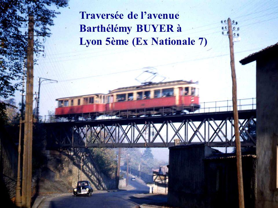 Traversée de l'avenue Barthélémy BUYER à Lyon 5ème (Ex Nationale 7)