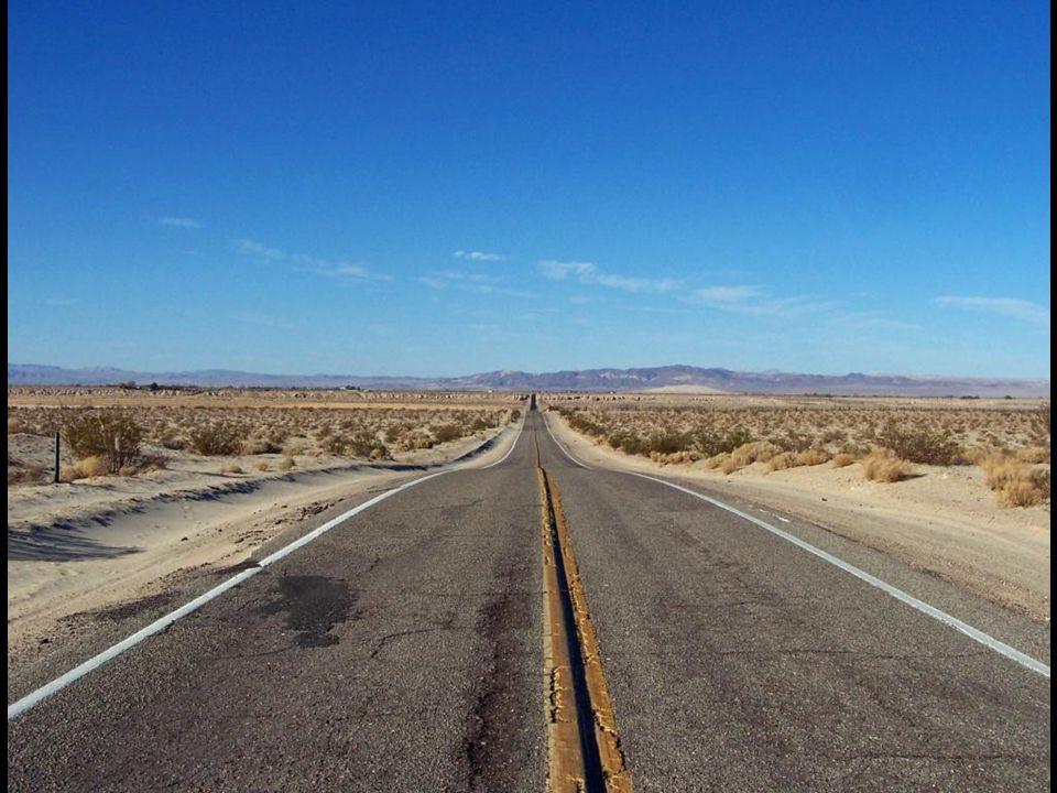 La célèbre route 66 en direction de Las Vegas