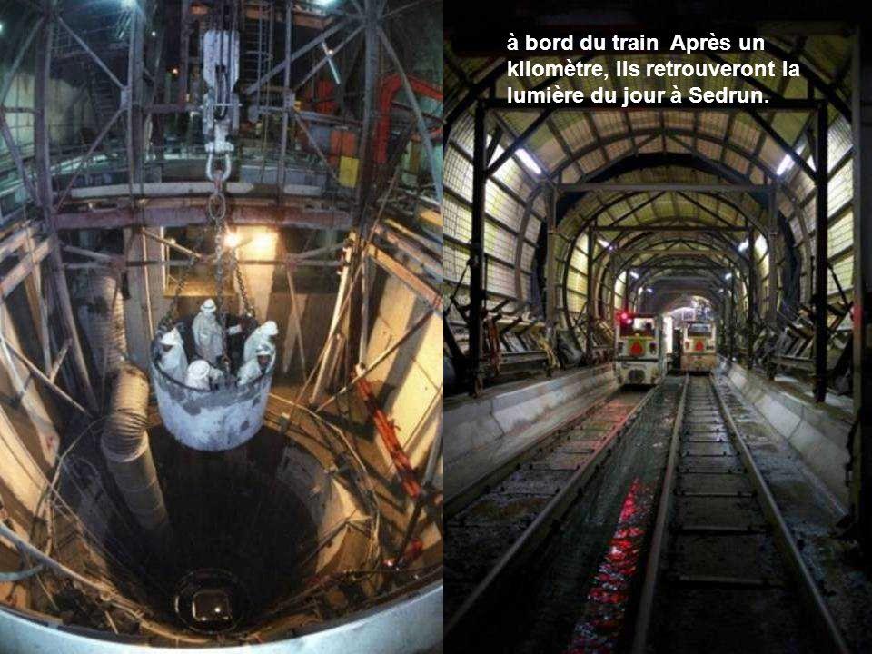 à bord du train Après un kilomètre, ils retrouveront la lumière du jour à Sedrun.