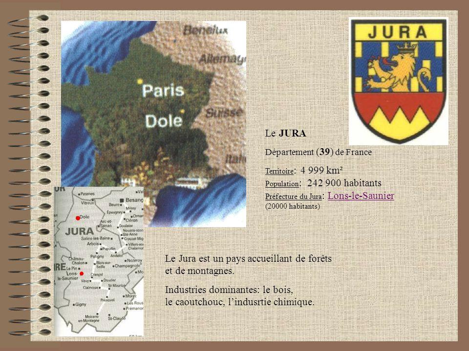 Le Jura est un pays accueillant de forêts et de montagnes.